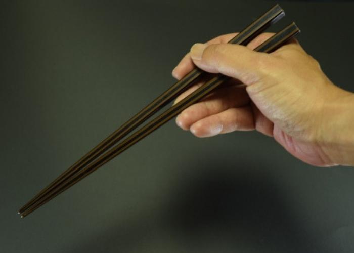 箸 の 持ち 方